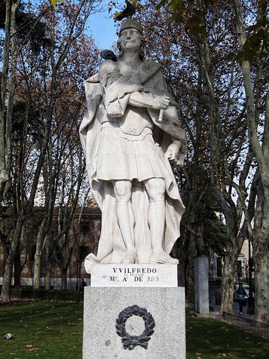 Statue of Wilfred the Hairy in Madrid