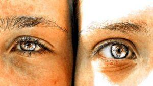 Two-eyes-awakening-yeux