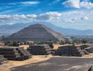 pyramides-004-FF1A96F6