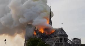 attentat-notre-dame-burning-