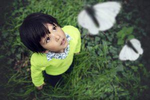 enfant-papillons